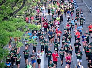 marathon runners - Wendy Gimpel Real Estate