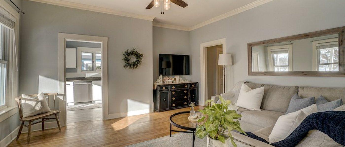 living room - Wendy Gimpel Real Estate